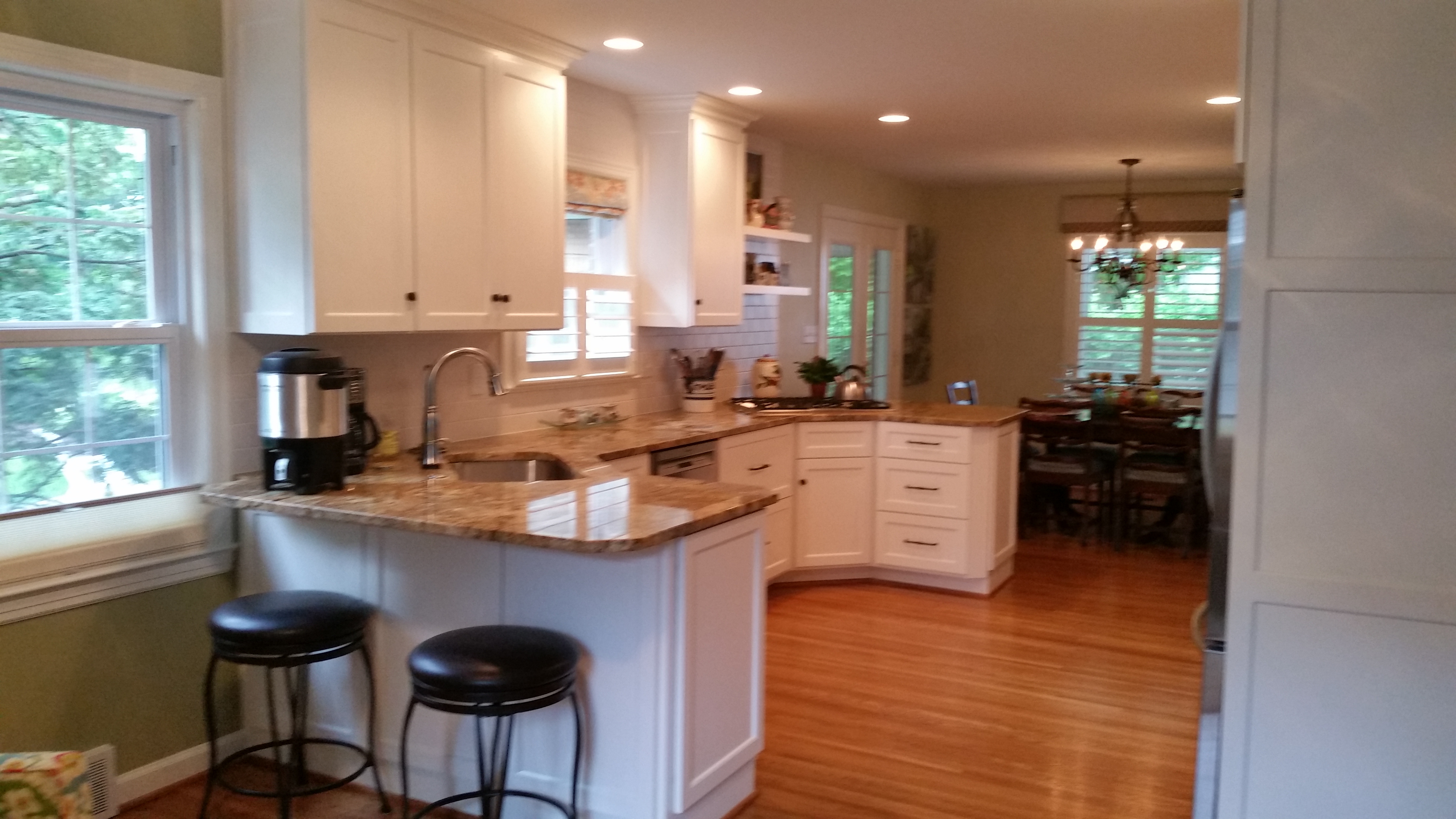Gallery kitchen cabinetry classic kitchens of for Kitchen cabinets louisville ky