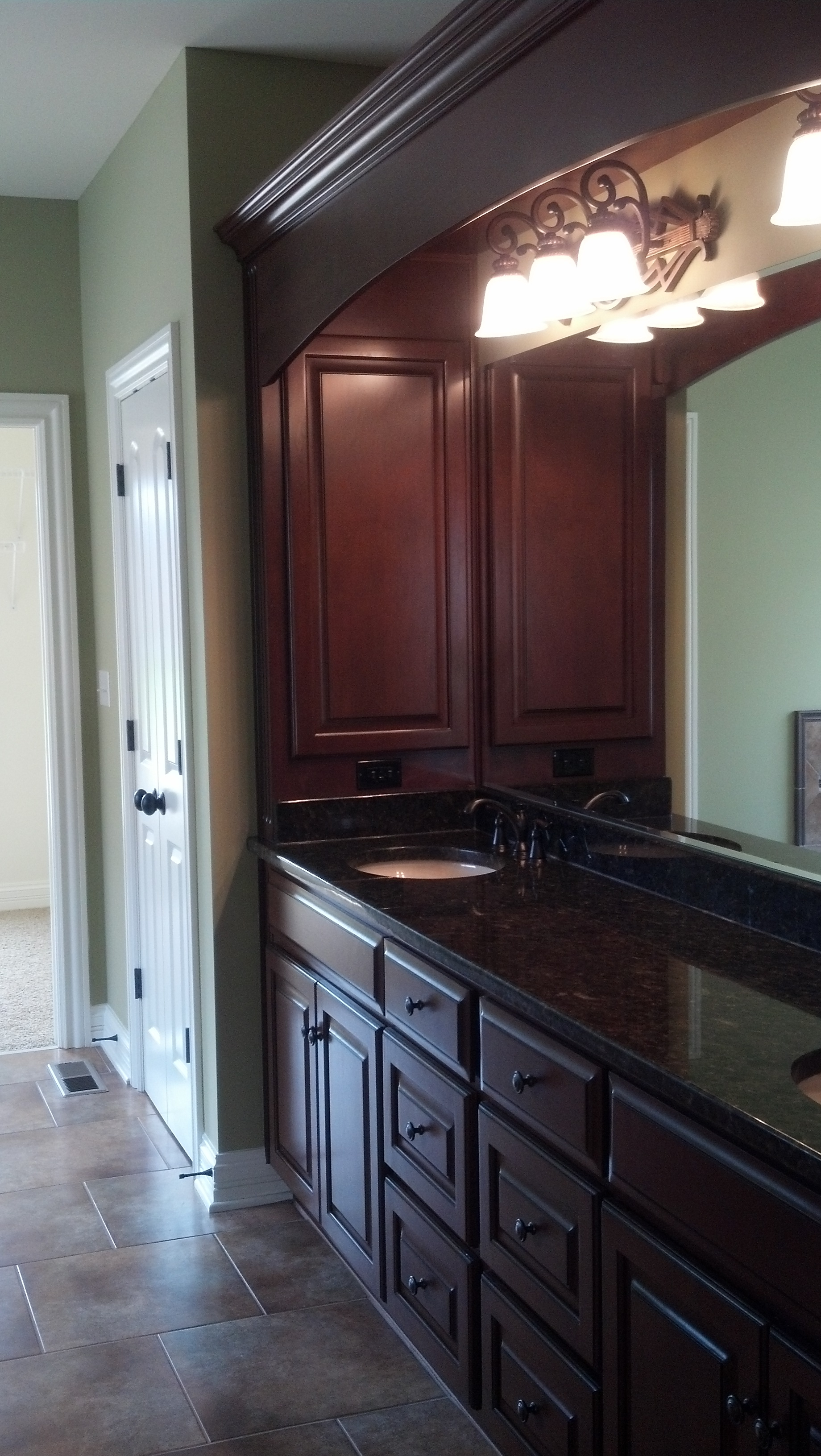 Custom bathroom cabinets vanities gallery classic for Cheap kitchen cabinets louisville ky