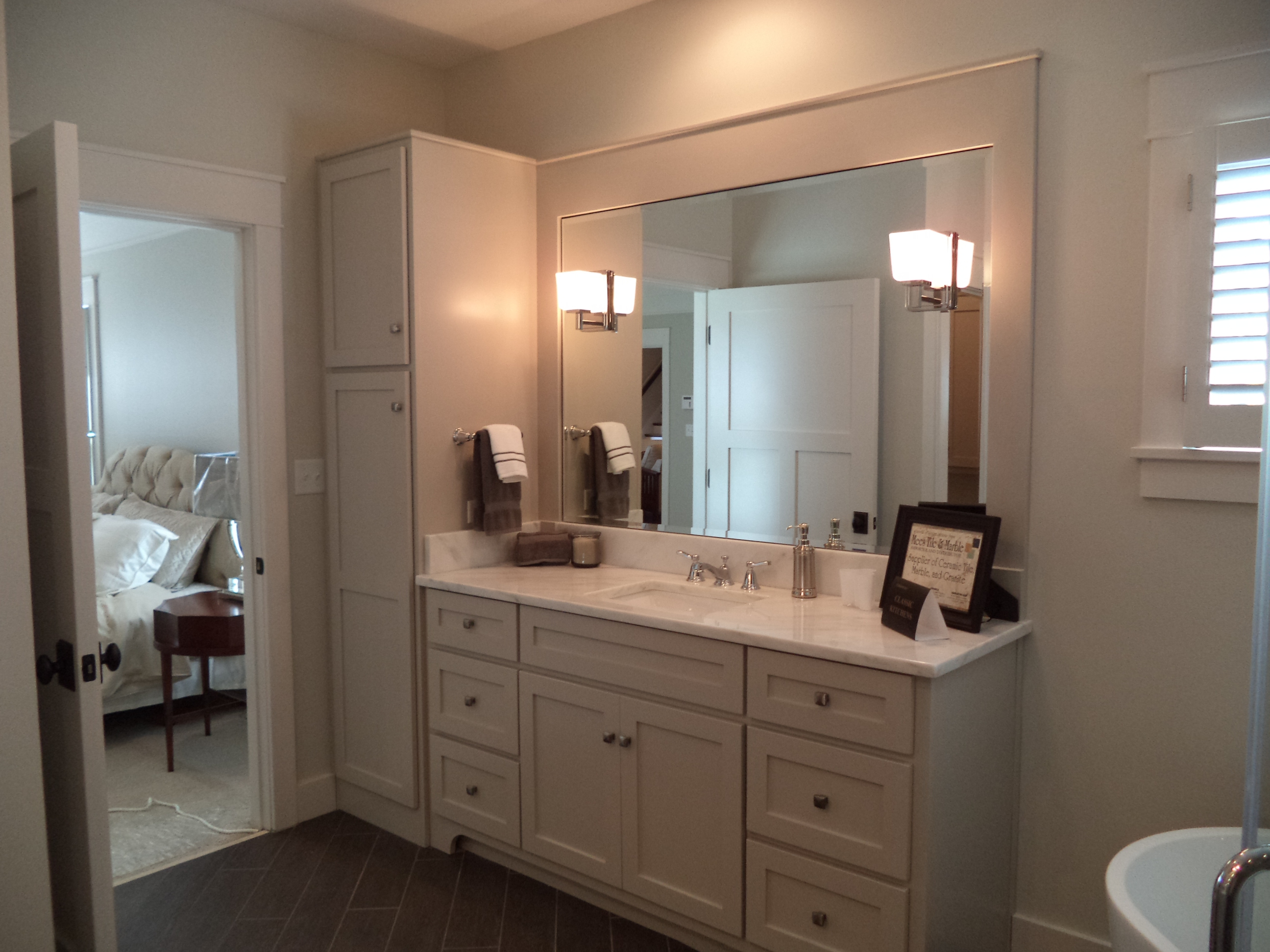 Custom bathroom cabinets vanities gallery classic for Custom bathroom cabinets