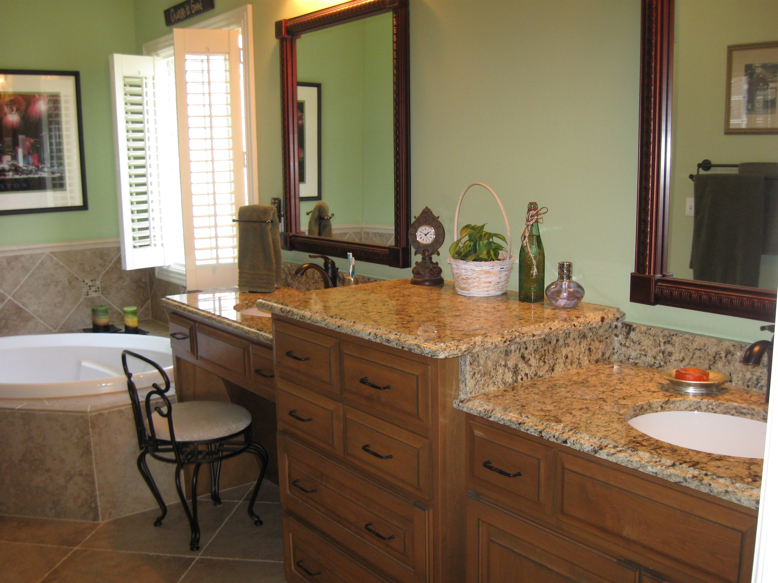 Custom Bathroom Cabinets Vanities Gallery Classic Kitchens Of Campbellsville Custom Cabinets In Louisville Kentucky